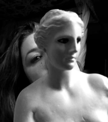 aphrodite-noir-et-blanc